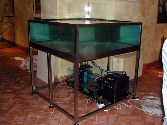 Acquario con mobile usato acquario marino usato con for Acquario completo prezzi